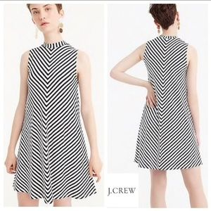 J. CREW SWINGY NAVY BLUE & WHITE CHEVRON DRESS XS